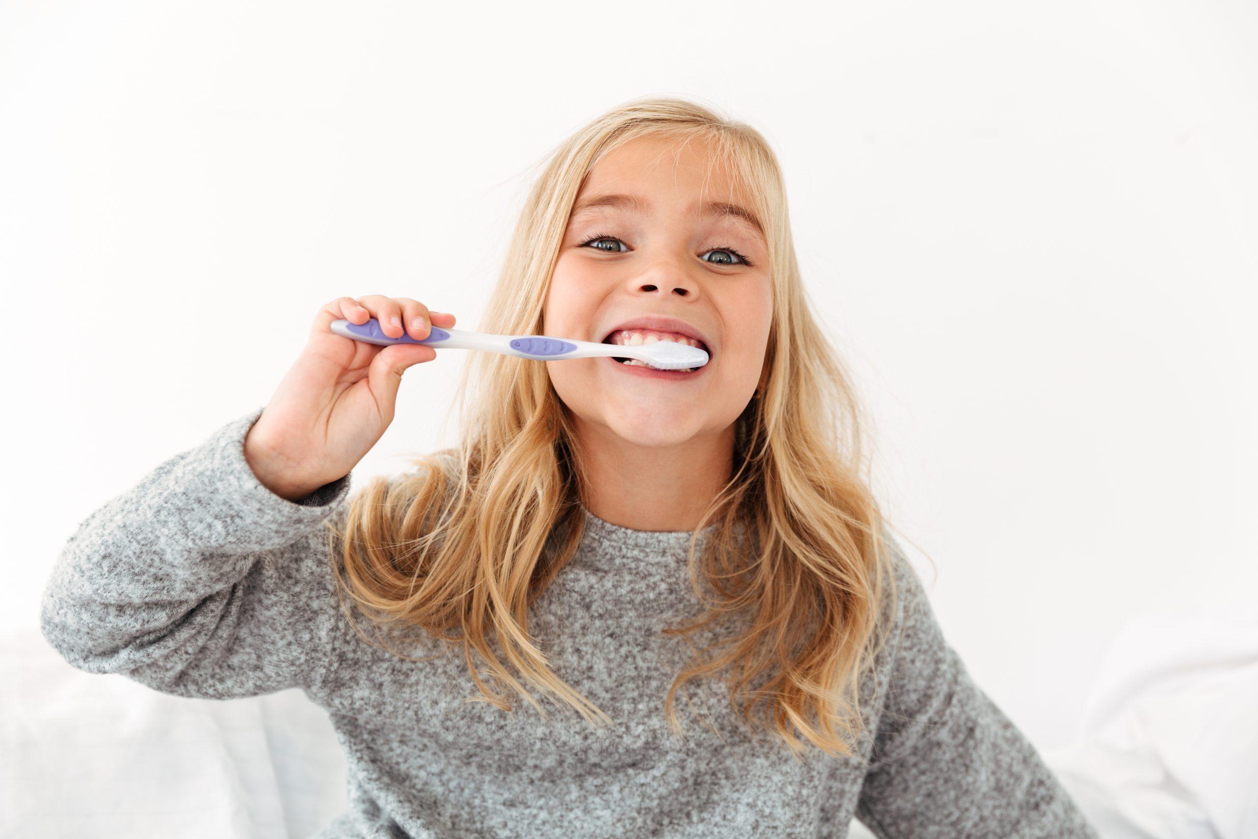 Πως βουρτσίζουμε σωστά τα δόντια μας σε 3 λεπτά!
