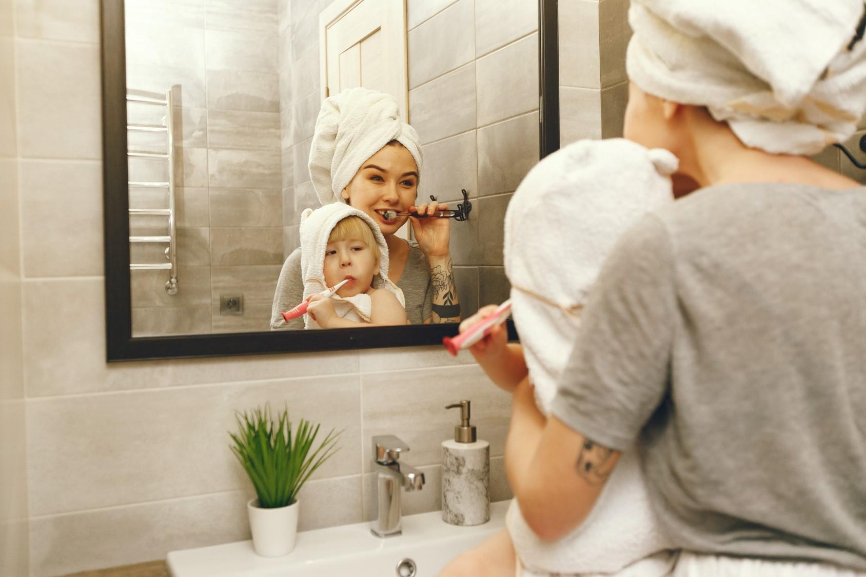Πότε να αρχίσετε να βουρτσίζετε τα δόντια του μωρού σας
